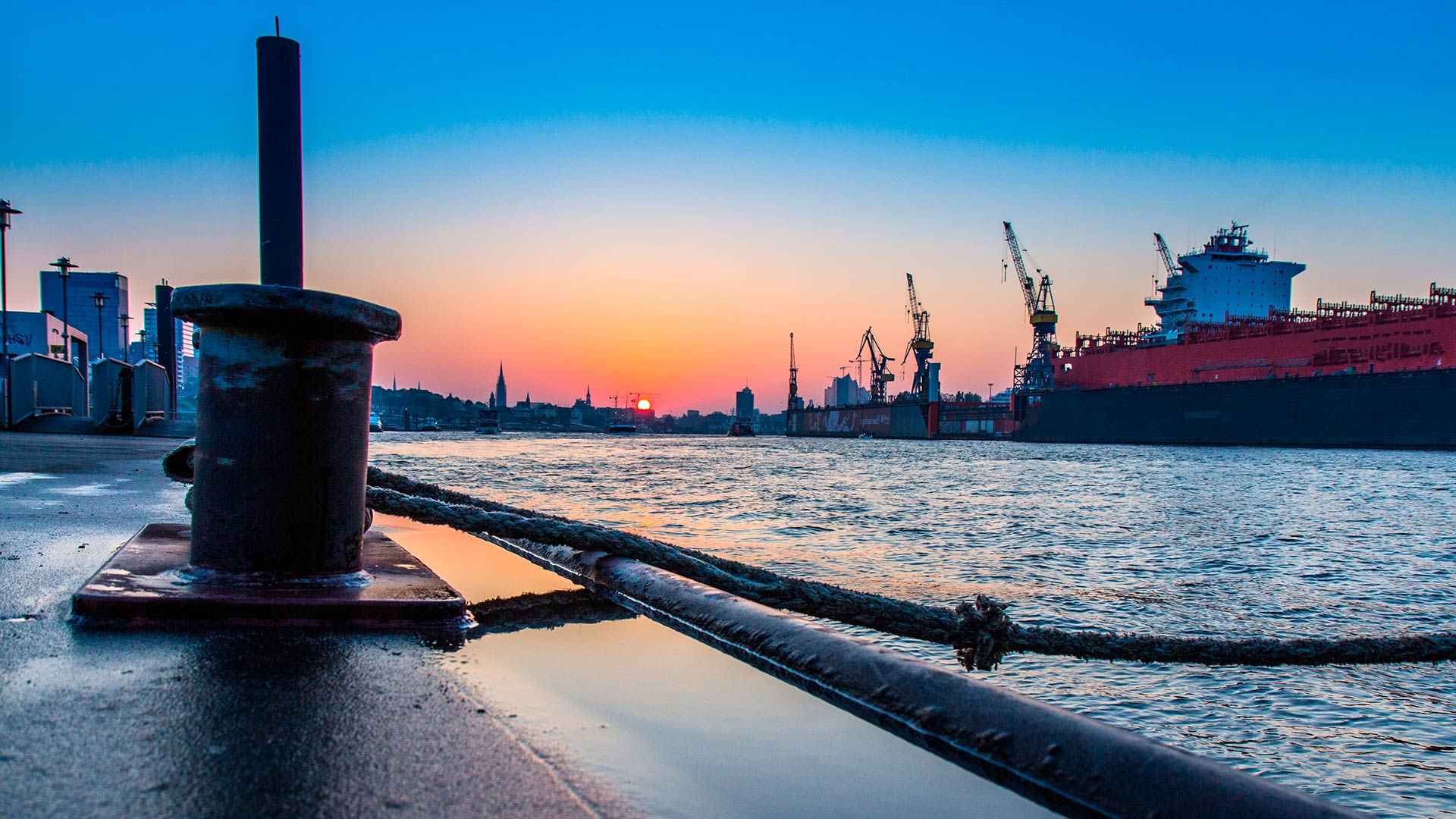 Reparaciones y mantenimientos portuarios